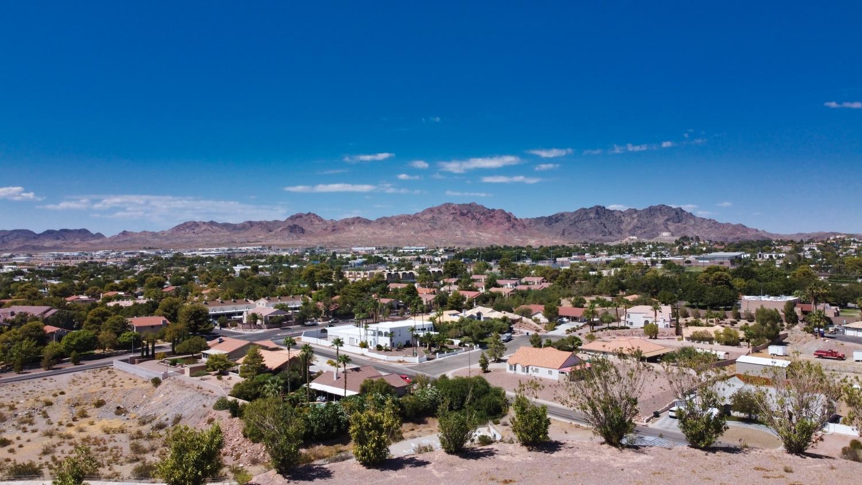 Pueblo Drive 7